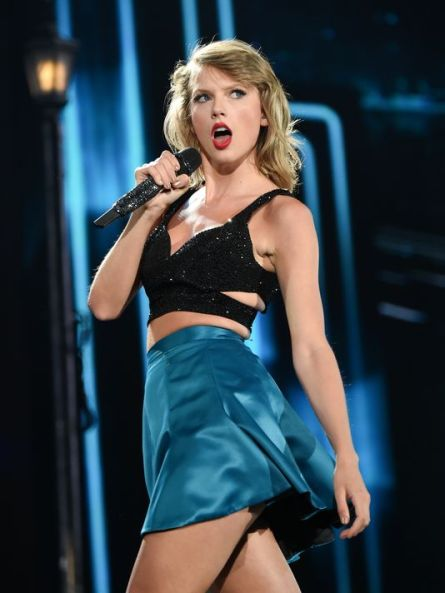 635767882017746459-INITab-08-30-2015-Special-8-V016--2015-08-21-IMG-Sept-16-Taylor-Swift-1-1-72BMB3R6-L662628418-IMG-Sept-16-Taylor-Swift-1-1-72BMB3R6