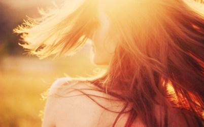 6926001-mood-girl-sun-rays