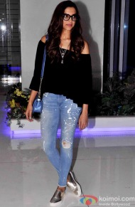 decoded-deepika-padukones-casual-look-at-tamasha-wrap-up-party-1