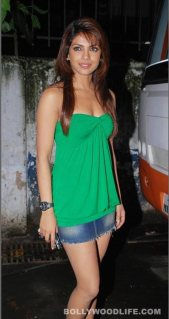 Priyanka-Chopra-281011