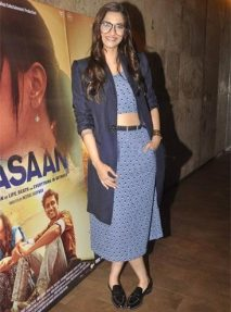 sonam-kapoor-jodi-life-masaan-screening-outfits