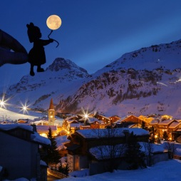 Val_d_Isere_France_Nighttime