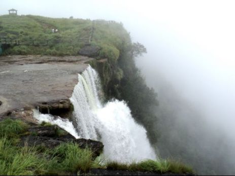 cherrapunji-photos-mawsmai-falls-mawsmai-water-falls_1402988536.jpg