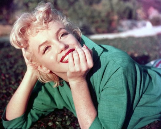 53-41942-marilyn-portrait-1496172127