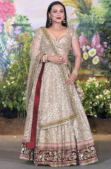 Rani-Mukerji-at-Sonam-Kapoor-and-Anand-Ahujas-wedding-reception-in-Mumbai1